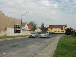 Sorno Dresdner Landstr. / L62 geg. Bushaltestelle