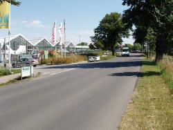 Marktkauf Einfahrt, links