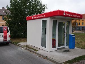 Beschriftung Pavillon Sparkasse Niederlausitz